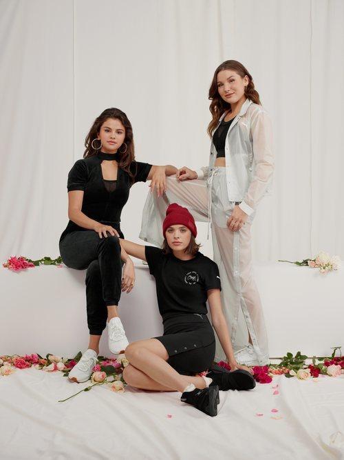 Selena Gomez con sus amigas luciendo looks deportivos de la colección de Puma x Selena Gomez