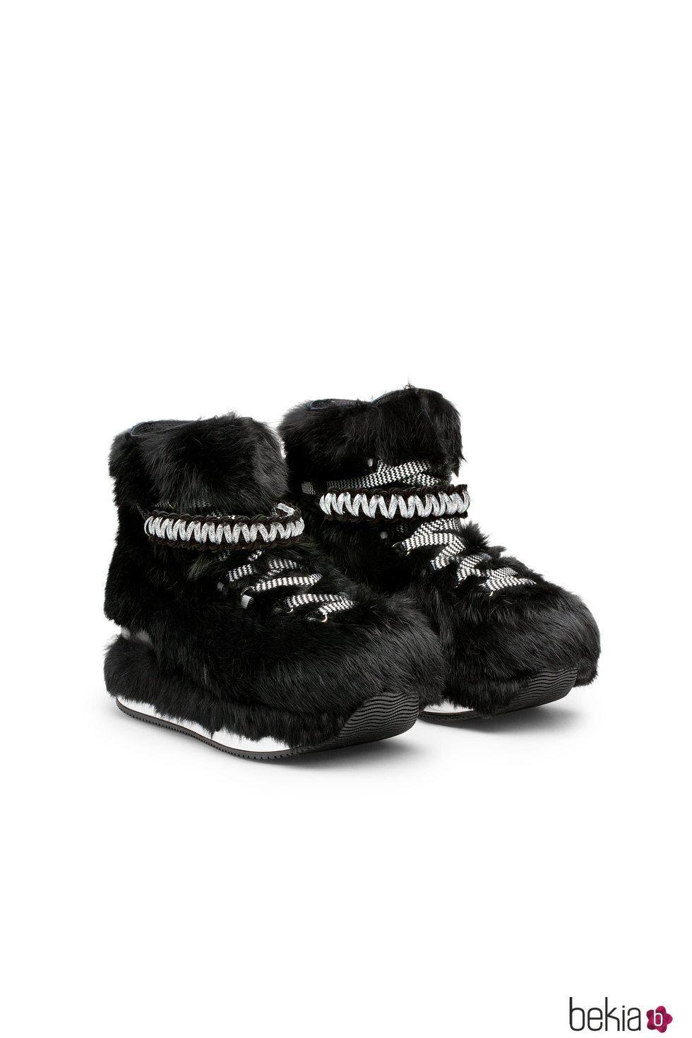 Botas negras de pelo de la colección Furry de Hogan para el otoño/invierno 2018