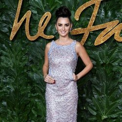 Penélope Cruz apuesta por un diseño de Chanel para los British Fashion Awards 2018