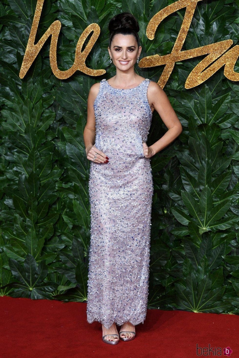 Penélope Cruz apuesta por un diseño de Chanel para los British Fashion Awards 2018
