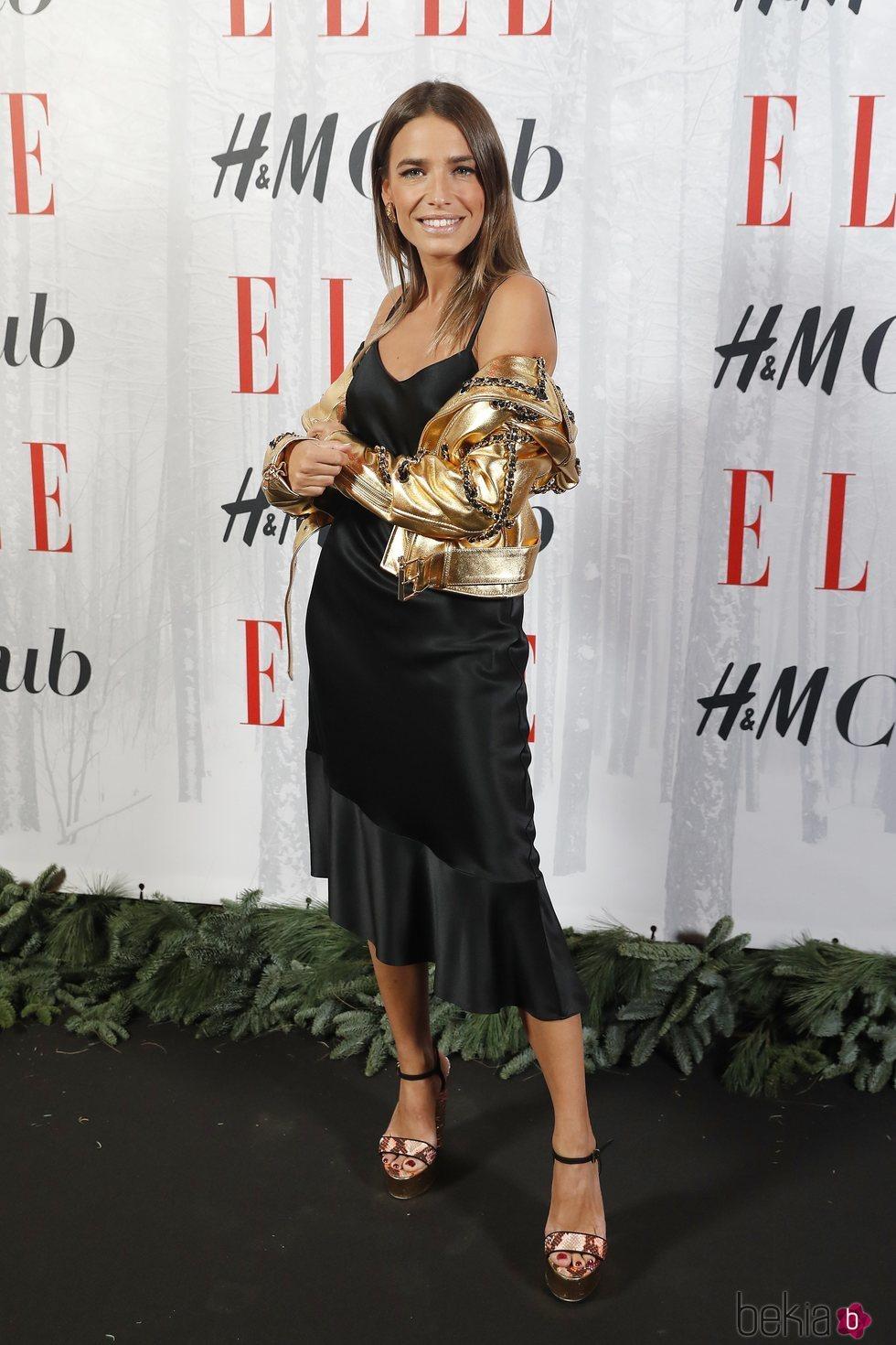 Flora González apuesta por un look formal y moderno en la gala 'Elle Christmas Party'
