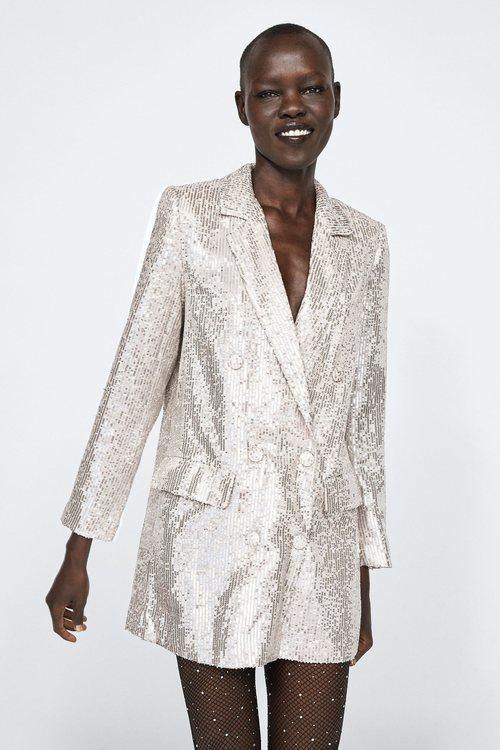 Blazer de lentejuelas de la colección otoño/invierno 2018/2019 de Zara