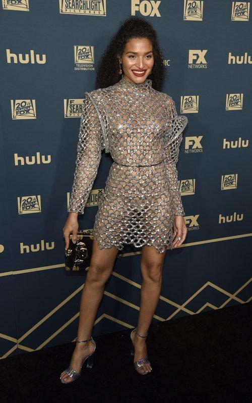 Indya Moore con un vestido de cadenas en la fiesta de FOX posteior a los Globos de Oro 2019