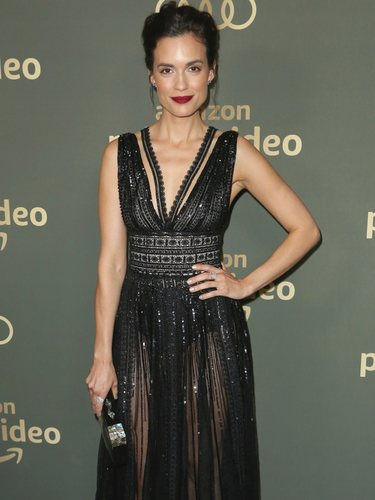 Torrey DeVitto en la fiesta de Amazon post Globos de Oro 2019