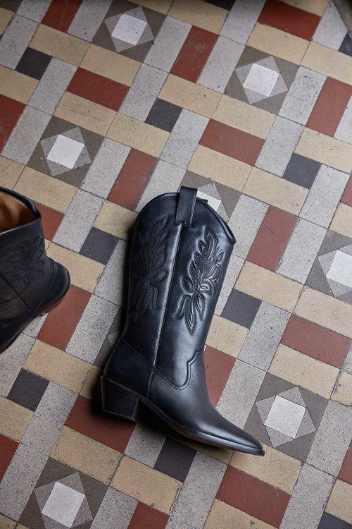 Botas cowboy de la colección primavera 2019 de Uterqüe