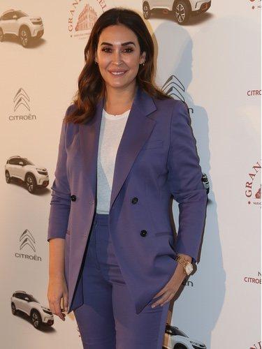 Vicky Martín Berrocal con un traje de Duarte en un acto promocional