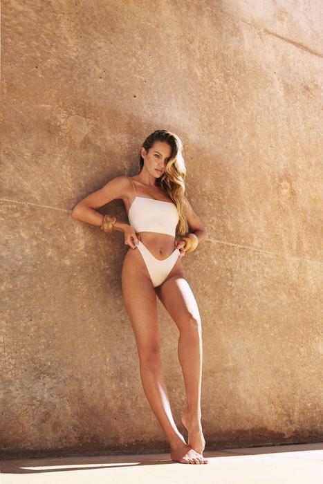 Bikini blanco de la colección resort 2019 de Tropic of C