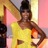 Leomie Anderson con vestido amarillo en los National TV Awards 2019