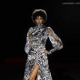 Vestido con estampado de cebra de la colección otoño/invierno 2019/2020 de Hannibal Laguna