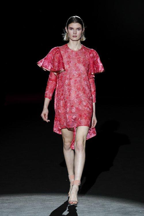 Vestido floral de la colección otoño/invierno 2019/2020 de Hannibal Laguna