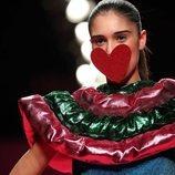 Detalle en forma de corazón de la colección otoño/invierno 2019-2020 de Ágatha Ruiz de la Prada