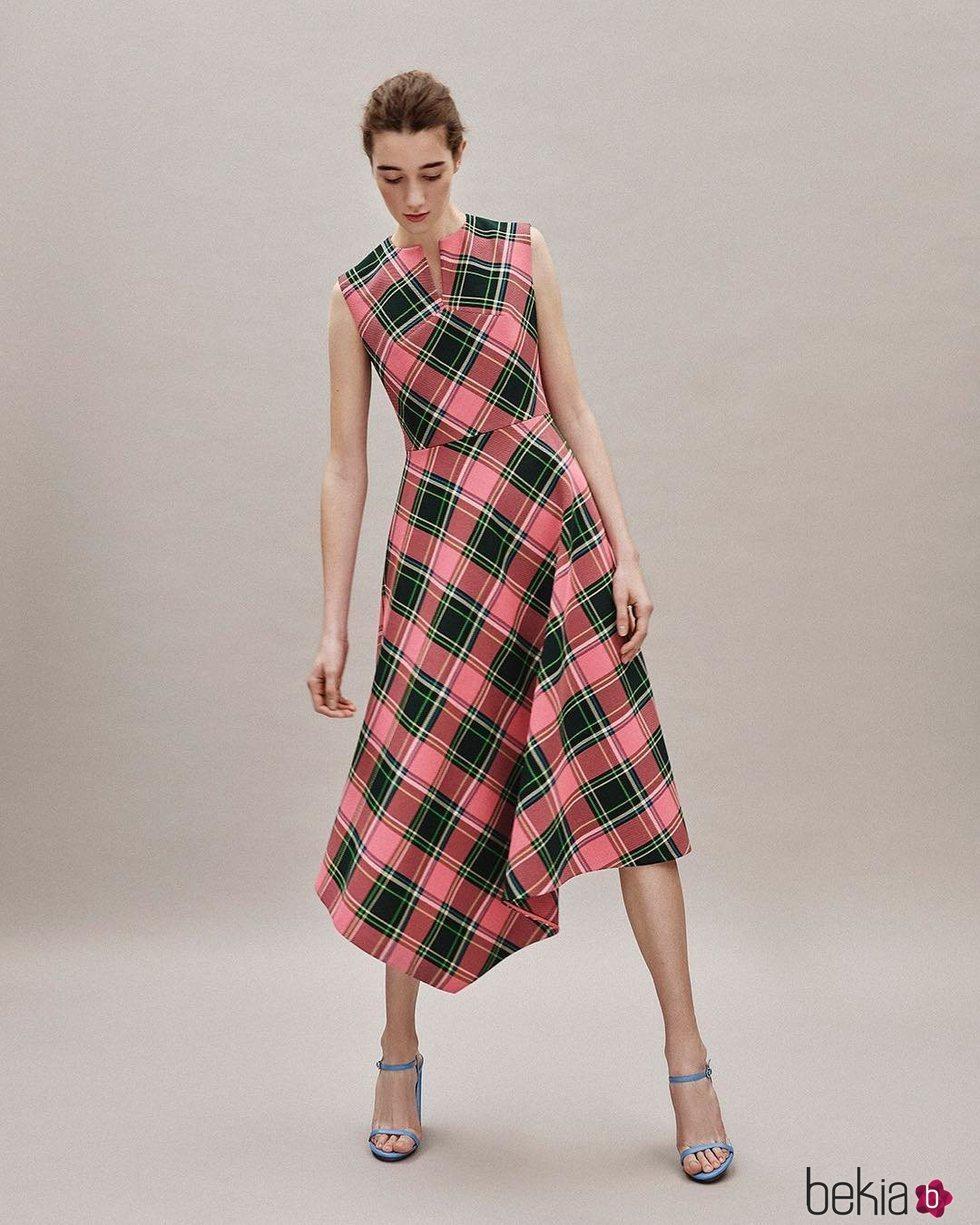 Vestido con estampado de cuadros colección Pre-Fall 2019 de Delpozo