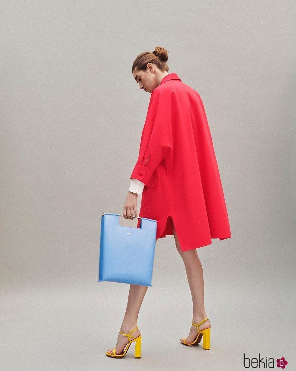 Vestido chaqueta roja colección Pre-Fall 2019 de Delpozo