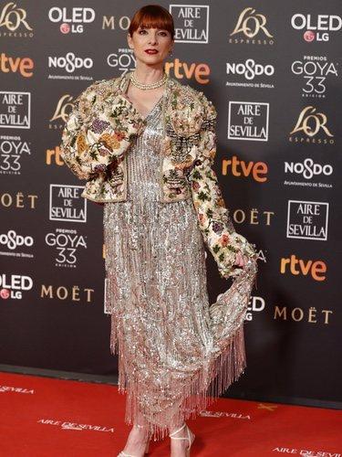 Najwa Nimri con un vestido plateado en los Premios Goya 2019