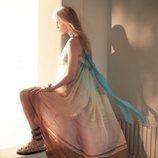 Alberta Ferretti primavera-verano 2019 vestido largo fluido sin mangas con lazo al cuello