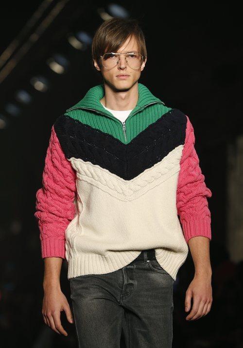 Modelo luciendo jersey de punto de Zadig&Voltaire en la Fashion Week de Nueva York 2019