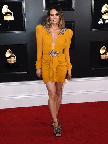 Keltie Knight con vestido corto en los Grammy 2019