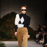 Pantalón de pana de la colección otoño/invierno 2019 de Alexa Chung