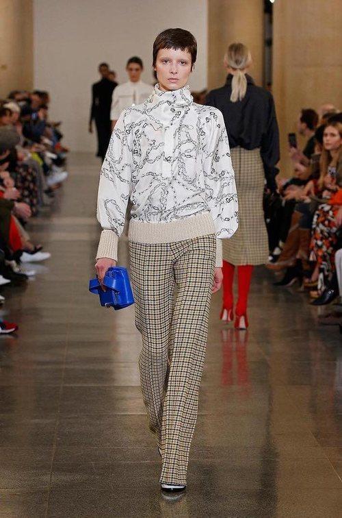 Pantalón tweed de la colección otoño/invierno 2019 de Victoria Beckham