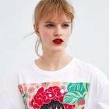 Camiseta blanca estampada de Bijou Karman para la colección 'Women in Art' de Zara TRF 2019