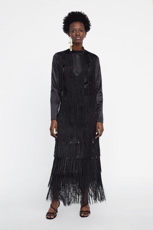 Vestido de flecos negro Zara primavera-verano 2019