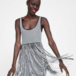 Vestido blanco y negro flecos Zara primavera-verano 2019
