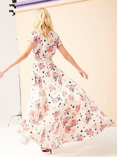 Vestido con estampado floral de la colección de Dolores Promesas colección primavera 2019
