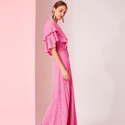 Vestido rosa de la colección de Dolores Promesas colección primavera 2019