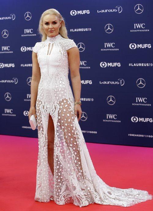 Nadia Comaneci con un vestido de princesa disney