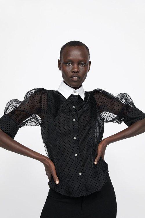 Blusa negra cuello blanco Zara primavera-verano 2019