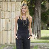 Amaia Salamanca con total look black con pantalones