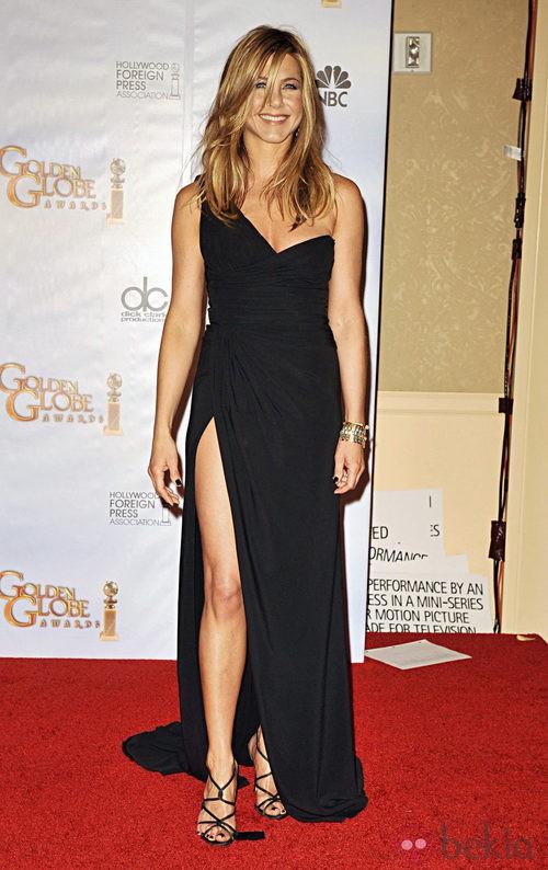 Jennifer Aniston en los Globos de Oro 2010 con un vestido de Valentino