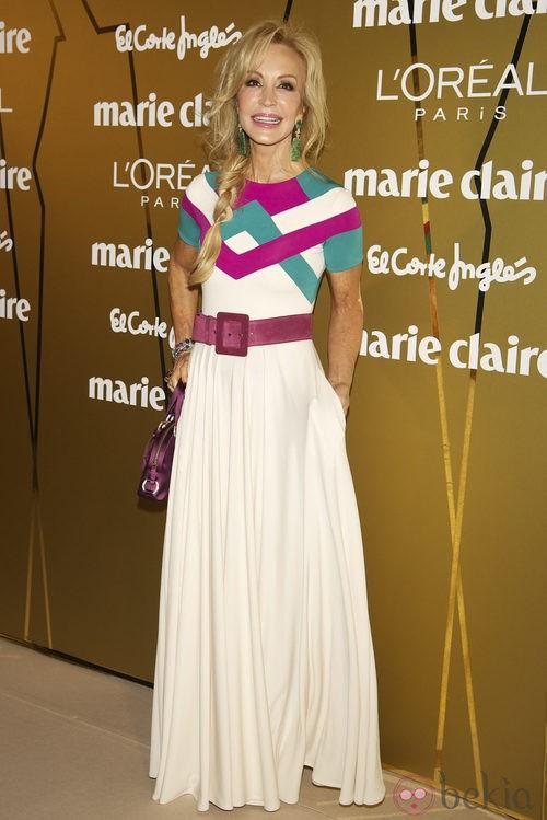Look de Carmen Lomana con vestido de David Delfin