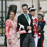 La Infanta Elena con traje sastre en rosa empolvado con encaje blanco y una mantilla negra