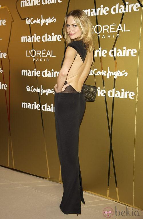 Verónica Blume con vestido de gala negro con escote en la espalda