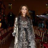 Marisa Berenson con total look glitter