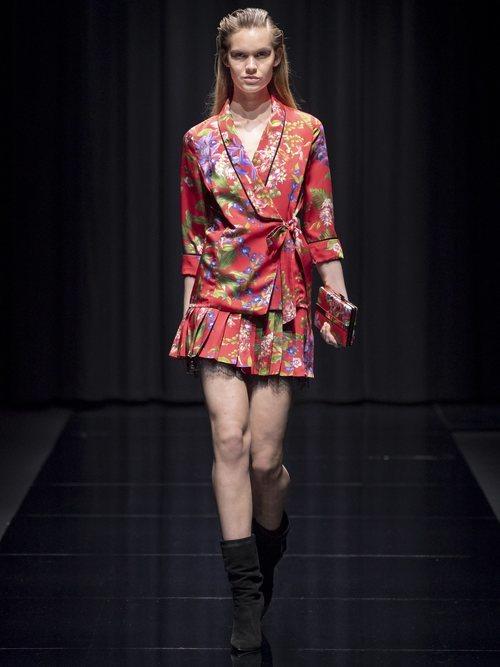 Total look estampado de la colección 'Gold Label' de Liu Jo