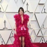 Linda Cardellini con un vestido de tull rosa en la alfombra roja de los Premios Oscar 2019