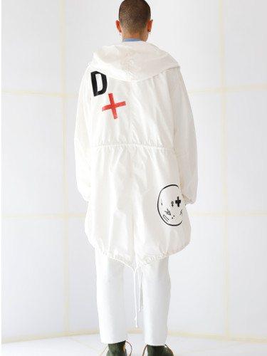 Look 'total white'  de la nueva colección de otoño/invierno 2019 de la firma Davidelfín