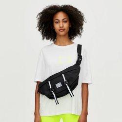 Camiseta básica blanca colección Primavera Sound Pull & Bear