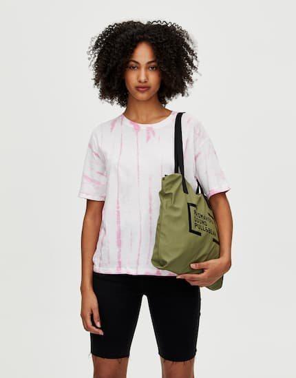 Camiseta de manga corta tie-dye rosa colección Primavera Sound Pull & Bear