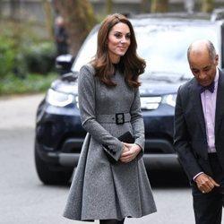 La Duquesa de Cambridge con un abrigo vestido