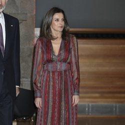 La Reina Letizia con un vestido hippie