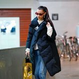 Bella Hadid outfit sporty chic