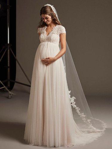 Vestido de novia para embarazadas de la colección crucero de Pronovias 2020