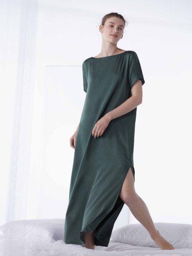 Camisón verde océano de la colección primavera 2019 de Oysho