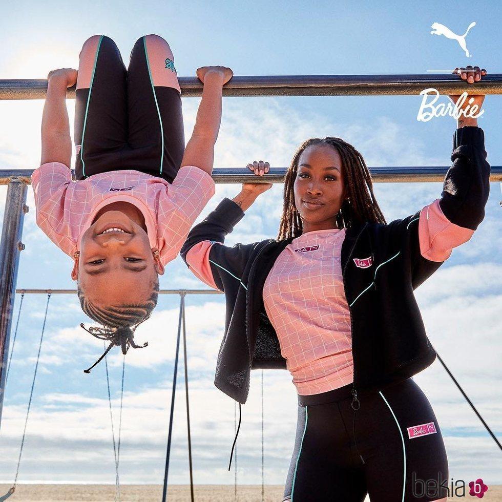 Camiseta y chaqueta rosa y negra de Puma X Barbie