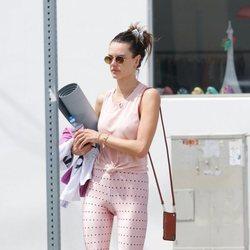 Alessandra Ambrosio y su look de gimnasio