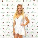 Patricia Montero con un mini vestido blanco