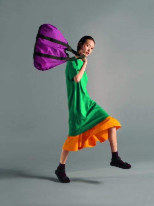 Colores flúor y comodidad en la colección primavera/verano 2019 de Uniqlo